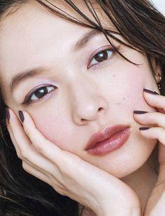 森絵梨佳 : 顔アップ特集 [綺麗な女優・アイドル・モデル、芸能人の顔アップ画像研究所(顔面アップ同好会~顔好きによる顔好きのための好きサイト)] Eyeliner Tape, Beautiful Asian Girls, Beautiful Women, Japanese Models, Ulzzang, Hair Makeup, Make Up, Lady, Beauty