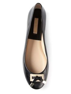 Shop a great range of women's ballerina shoes at Farfetch. Search from over 2000 designers from 400 international boutiques for ballet flats Ballerina Shoes, Ballet Flats, Michael Kors Flats, Black Slip On Shoes, Bowie, Designing Women, Loafers, Shoe Bag, Detail
