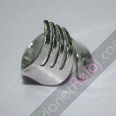 Anillo artesanal de plata de ley en forma de tenedor