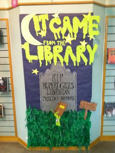 Teen read week / Halloween display