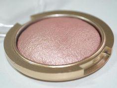 O lindo blush iluminador 01 da FenzzaPausa para Feminices
