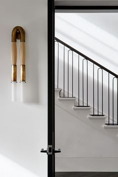 With a nod to its adorned past, Toorak Residence by Hecker Guthrie pays respect to the home's original Art Deco features through a refined lens. Herringbone Marble Floor, Escalier Art, Hecker Guthrie, Steel Frame Doors, Farmhouse Stairs, Polished Plaster, Metal Railings, Banisters, Steel Railing Design