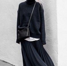 Figtny turtleneck and skirt