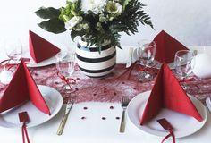 Borddækning i røde farver - Få ideer til oppyntning