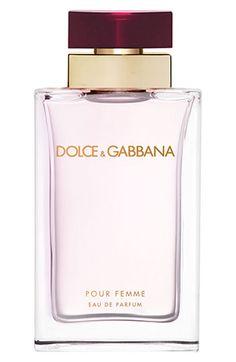 Perfumes Dolce Gabbana para homens e mulheres é na Renner. Veja as  fragrâncias Light Blue, The One, Homme Intenso e outras opções de perfume  importado! 7ce8b2b1a3
