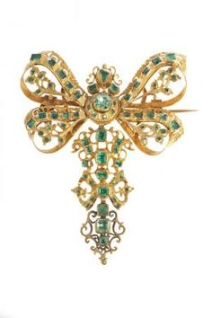 Pendant brooch | 18th century. Emeralds and yellow gold. Portugal