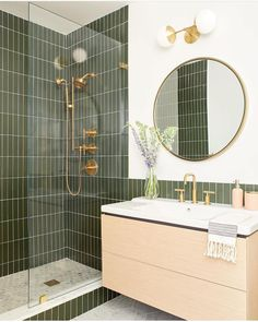 I've been loving green lately! I feel like it acts as a neutral. Anyone else been loving green too? This bathroom b