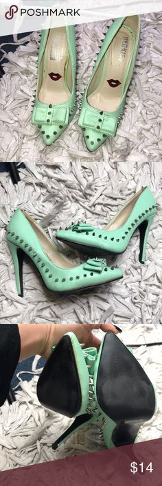 Studded pointy toe bow pumps Very cute turquoise studded embellished pointy toe pump. Size 5.5 runs true to size. Scruff on heel and some minor glue marks. Very comfortable. Kept in a smoke and pet free environment. Soles are in excellent condition. Accepting all reasonable offers Urban Outfitters Shoes Heels
