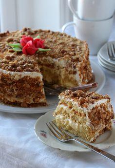 no Cake Recipes, Dessert Recipes, Norwegian Food, Sweets Cake, Cake Flavors, Pavlova, Let Them Eat Cake, Yummy Cakes, Cake Cookies