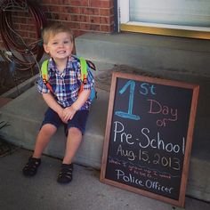 1st day of school picture idea.  Preschool pictures.  First day of school picture ideas.  first day of school photo ideas.  Creative photos with chalkboards.