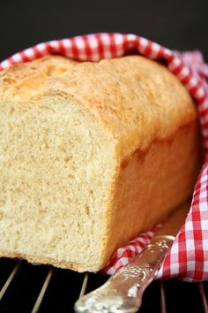 einfaches selbstgebackenes Toastbrot - simple home-baked toast bread - Healthy Burger Recipes, Pizza Recipes, Chicken Recipes, Pizza Hut, Pizza Burger, Best Homemade Burgers, Bulgarian Recipes, Sandwiches, Love Eat