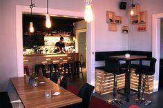 Beimir | Stadtbekannt Wien | Das Wiener Online Magazin Online Magazine, Bar, Table, Furniture, Home Decor, City, Homemade Home Decor, Mesas, Home Furnishings