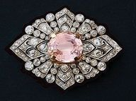 Art Deco platinum diamond and kunzite brooch, 1925.