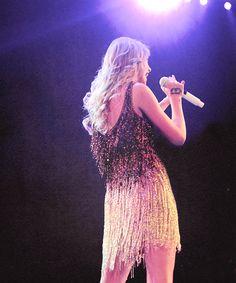 Taylor Swift on Speak now tour Estilo Taylor Swift, Taylor Swift Speak Now, Long Live Taylor Swift, Taylor Swift Music, Taylor Alison Swift, Swift Photo, Queen, Celebs, Celebrities