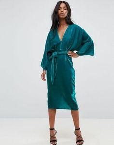 ASOS – Knielanges Kimonokleid aus Samt mit tiefem Ausschnitt und Taillenschnürung