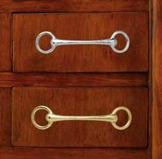 Bit drawer handles: equestrian inspired - I should do this on that random piece of furniture in my dining room**** COOL HARDWARE OPTIONS Equestrian Decor, Equestrian Outfits, Equestrian Style, Equestrian Bedroom, Equestrian Fashion, Horse Bits, Horse Tack, Horse Shoes, Tallit