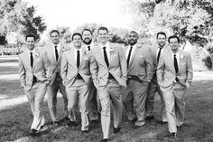 27 Awesome Groomsmen Photos - Mon Cheri Bridals