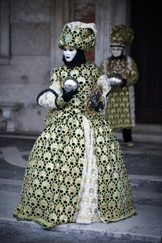 venetian masks and costumes for Carnevale Mardi Gras Carnival, Venetian Carnival Masks, Trinidad Carnival, Carnival Of Venice, Venetian Masquerade, Masquerade Costumes, Carnival Costumes, Authentic Costumes, Venice Mask