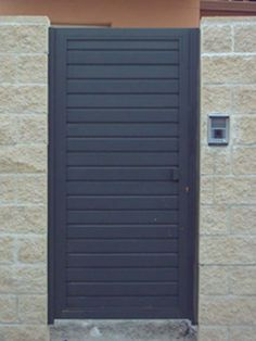 Modelo de puerta de hierro sencilla pesquisa google for Fotos de puertas metalicas modernas