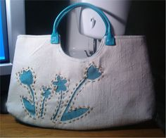 Reverse Applique Flower Handbag - Free Sewing Tutorial by laurasaurus + Free bonus video tutorial by Heather Valentine