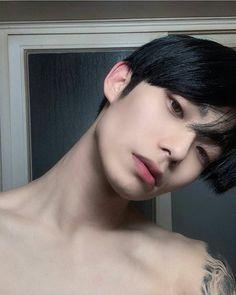 Korean Boys Hot, Korean Boys Ulzzang, Ulzzang Boy, Korean Men, Cute Asian Guys, Asian Boys, Cute Guys, Beautiful Boys, Pretty Boys