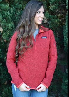 Women's Patagonia 1/4 Zip Pullover in maraschino - gently used condition with no stains or holes! Measurements provided in pictures. Great color for fall! Outfits Casual, Dress Up Outfits, Winter Fashion Outfits, Winter Outfits, Cute Outfits, Sweater Fashion, Fall Fashion, Casual Sweaters, Cool Sweaters