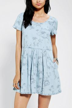 Late in the Day. #trend #floral #babydoll #urbanoutfitters