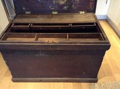 Vintage Cabinet Makers Wooden Tool Chest Antique Woodworking Tools, Antique Tools, Old Tools, Wooden Storage Boxes, Tool Storage, Storage Containers, Cabinet Boxes, Cabinet Makers, Carpenter Tools