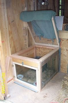 Broody box - Use for broody hens to incubate eggs. Keeps other hens from laying their eggs in her nest. I would make the top solid so that the other hens don't sleep on top & poop on her. Chicken Pen, Chicken Coup, Chicken Life, Diy Chicken Coop, Keeping Chickens, Raising Chickens, Pet Chickens, Chickens Backyard, Chinchillas