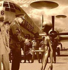 Extraterrestres & the Eisenhower treaty Alien Pictures, Alien Photos, Alien Encounters, Close Encounters, Aliens And Ufos, Ancient Aliens, Zeta Reticuli, Majestic 12, Ufos Are Real