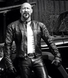 """bb-motorbikes: """" Motorbikes, Boyz n Leather """" Come Horny, Leave Happy ! Mens Leather Pants, Motorcycle Leather, Motorcycle Men, Moto Bike, Leather Fashion, Mens Fashion, Cut Tee Shirts, Cigar Men, Mens Gloves"""