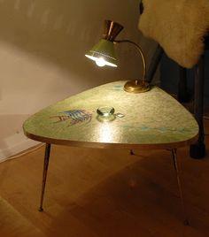 Table basse en mosaïque et laiton, années 50