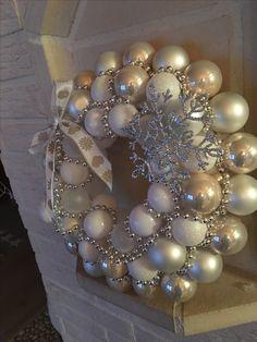 Christmas Crafts, Merry Christmas, Christmas Decorations, Christmas Ornaments, Holiday Decor, Winter Wreaths, Holiday Wreaths, Mesh Wreaths, Ornament Wreath