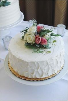 little miss lovely floral design // prospect bay country club wedding // grasonville maryland wedding // smith island wedding cake