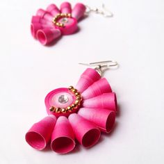 Quilling Earrings Jhumkas, Quilling Studs, Quiling Earings, Paper Quilling Jewelry, Paper Bead Jewelry, Quilling Paper Craft, Paper Earrings, Paper Beads, Quilling Flower Designs