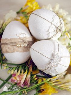 Easter Eggs - glue white material on a plastic egg, decorate