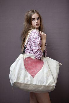 Ali Lamu Vintage Sailcloth Bag HEART by sophievoskooistra