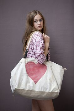 Sophie Kooistra - Heart Weekend Bag Handmade of old tanga's (100% cotton sail cloths) and painted in the mood of the motion.