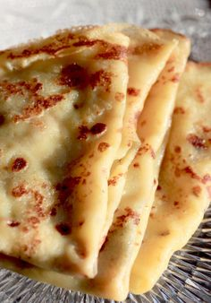 Süße Crepes von C. Whole Food Desserts, Whole Food Recipes, Dessert Recipes, Fruit Recipes, Tortilla Pizza, Crepe Recipes, Breakfast Pancakes, Diet Breakfast, Oreo Pancakes