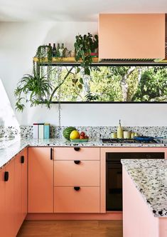 Terrazzo, Peach Kitchen, Tropical Kitchen, Green Cabinets, Pink Kitchen Cabinets, Piece A Vivre, Cuisines Design, Scandinavian Home, Kitchen Colors