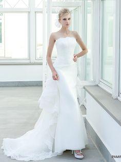 アクア・グラツィエがセレクトした、ELIZABETTA POLIGNANO(エリザベッタ ポリニャーノ)のウェディングドレス、ELP003をご紹介いたします。