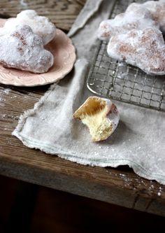 :::cloud shaped doughnuts