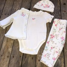 """""""How adorable is this?!  Four piece #Floral #Set •FOR PRICING & SIZING, GIVE US A TEXT! 903.388.7908• We #ship! Call to order! 903.322.4316 #shopdcs #goshopdcs #shoplocal #love"""" Photo taken by @daviscountrystore on Instagram, pinned via the InstaPin iOS App! http://www.instapinapp.com (12/07/2015)"""