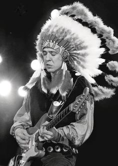 13 Rock Stars Whove Worn Native Headdresses (and Probably Shouldnt Have)