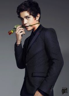 He should sooooooo be the next bachlor!!!!!!! Every one wants to suck hes dick any ways Austin Mohone, Cute Guys, Wattpad Books, Idol, Boyfriends, Aries, Banquet, Fanfiction, Jasmine