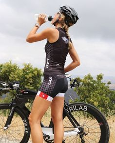 As a beginner mountain cyclist, it is quite natural for you to get a bit overloaded with all the mtb devices that you see in a bike shop or shop. There are numerous types of mountain bike accessori… Women's Cycling, Cycling Wear, Cycling Girls, Cycling Outfit, Cycling Jerseys, Bike Mtb, Bicycle Race, Bicycle Girl, Bike Rides
