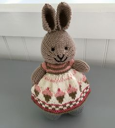 Ravelry is a community site, an organizational tool, and a yarn & pattern database for knitters and crocheters. Knitted Bunnies, Knitted Teddy Bear, Knitted Animals, Crochet Bunny, Knitted Dolls, Crochet Toys, Animal Knitting Patterns, Knitting Charts, Baby Knitting