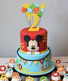 Bolo Do Mickey Mouse, Fiesta Mickey Mouse, Theme Mickey, Mickey Cakes, Mickey Mouse Parties, Mickey Party, Minnie Mouse, Mickey Mouse Cookies, Baby Mickey