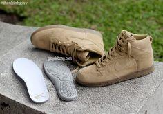 Nike Dunk A.P.C. « Wheat » ? Me Too Shoes, Men's Shoes, Shoes Sneakers, Nike Dunks, Apc, Perfect Man, Nike Sportswear, Trainers, Kicks