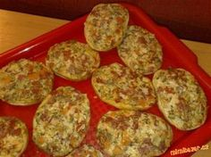 Pizza housky.....ty nejlepší jaké jsem kdy jedla!!!!!!!!!!!!!!!!!!!!!!!!!!!!!!!! Slovak Recipes, Czech Recipes, Ethnic Recipes, Pizza Recipes, Cooking Recipes, Flatbread Pizza, Pizza Pizza, Finger Foods, Food And Drink